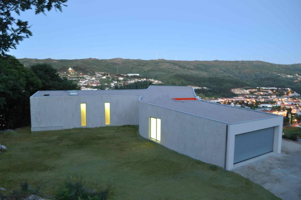 modern  by 100 Planos Arquitectura Lda, Modern