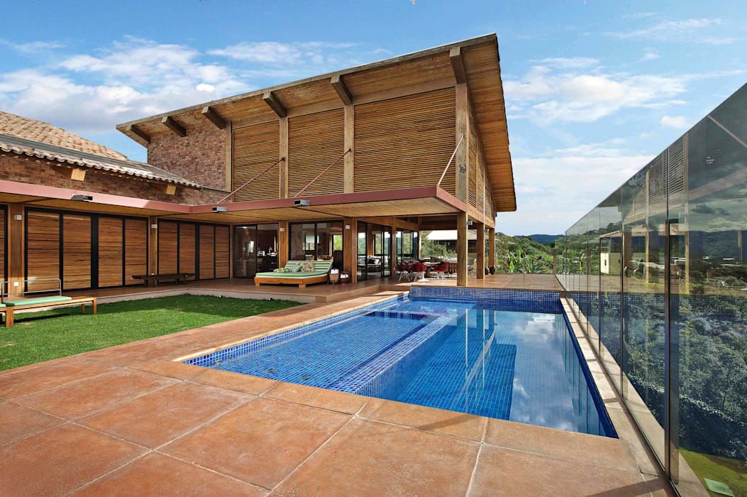 Mountain House 2 Rustic style house by David Guerra Arquitetura e Interiores Rustic