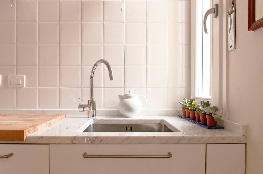 مطبخ تنفيذ Fabio Ramella Architetto, حداثي
