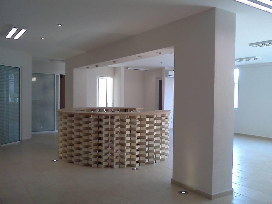 Recepción terminada Edificios de oficinas de estilo moderno de CESAR MONCADA SALAZAR (L2M ARQUITECTOS S DE RL DE CV) Moderno