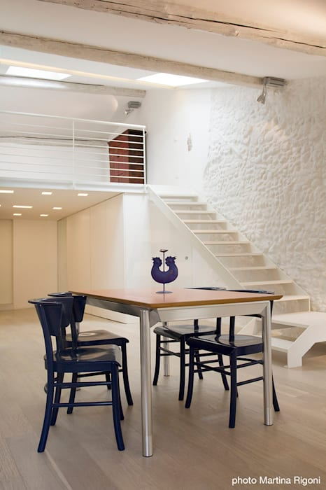 interno Case in stile minimalista di moovdesign Minimalista