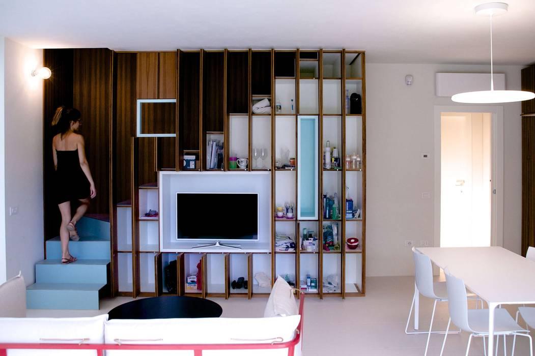 Salon moderne par Angeli - Brucoli Architetti Moderne