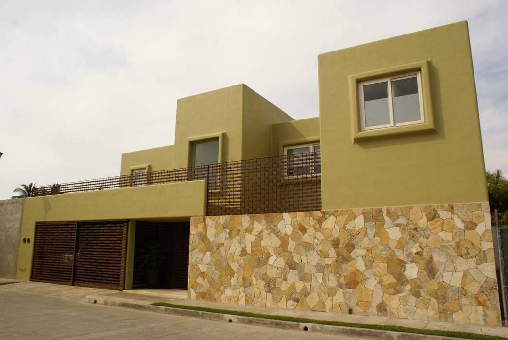 Casa K: Casas de estilo  por arqflores / architect