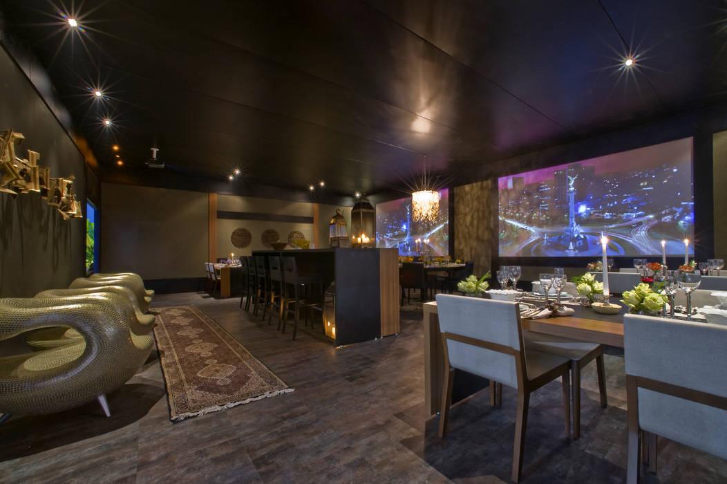 RESTAURANTE SENSE EXPERIENCE Hotéis ecléticos por Adriana Scartaris: Design e Interiores em São Paulo Eclético