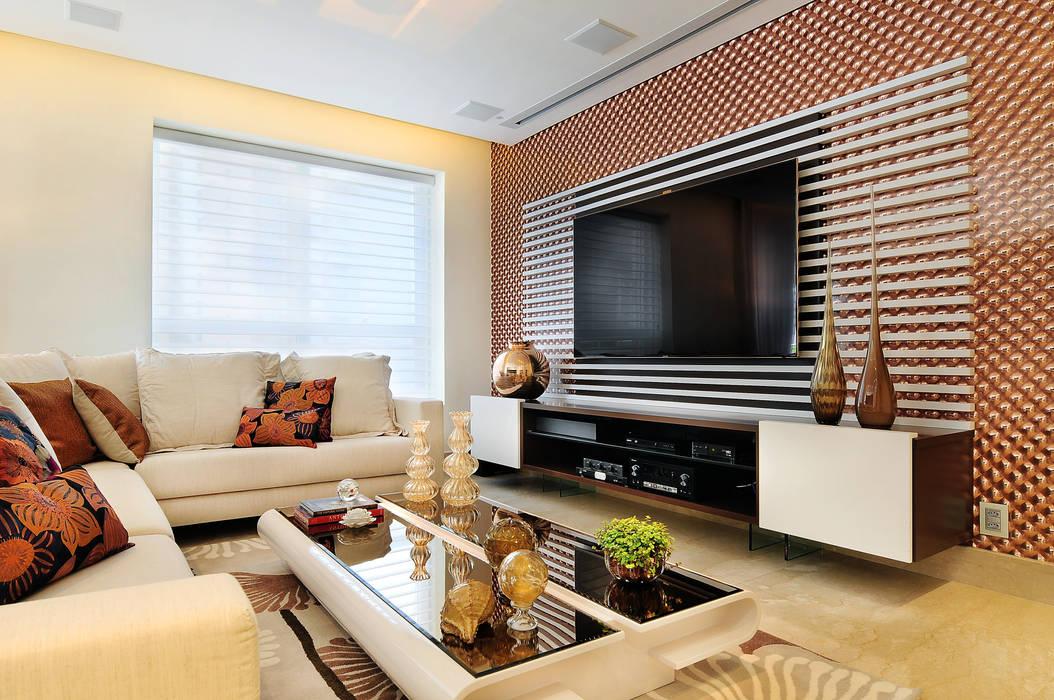 PROJETO IDENTIDADE BRASILEIRA - LIVING: Salas de estar  por Adriana Scartaris: Design e Interiores em São Paulo