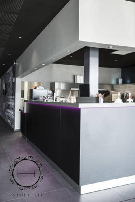 Comptoir du restaurant Gastronomie moderne par Soraya Deffar / Un Pretexte Moderne