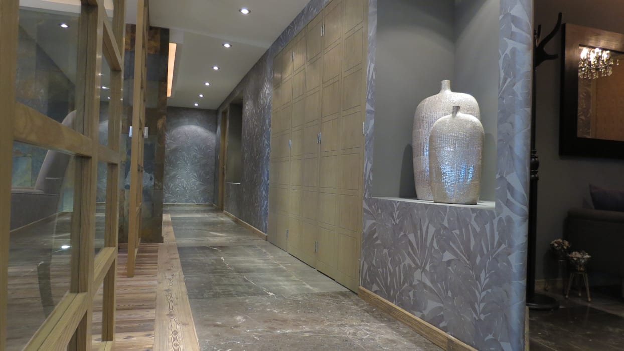 Pasillos y vestíbulos de estilo  por NIVEL TRES ARQUITECTURA, Rústico