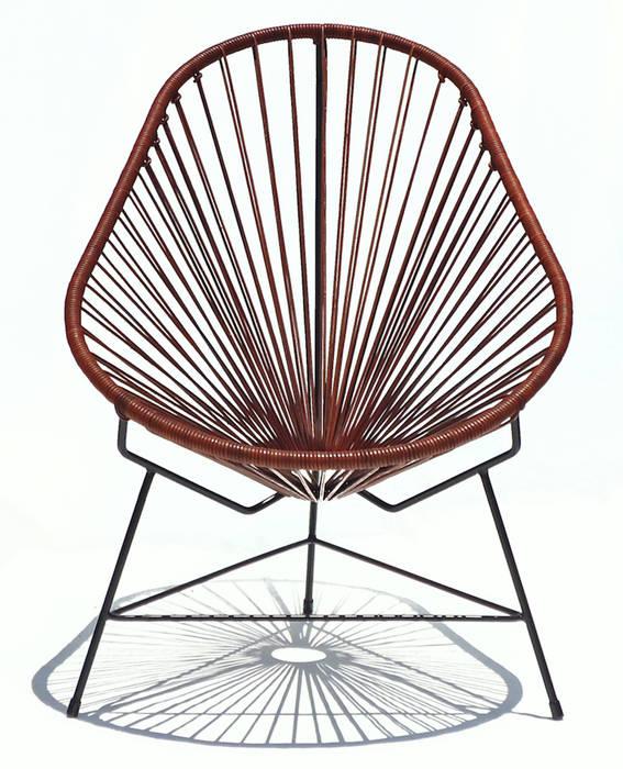 Leather Acapulco chair od Ocho Workshop Nowoczesny