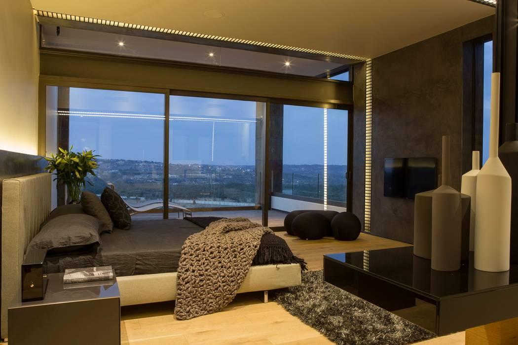 House Boz โดย Nico Van Der Meulen Architects โมเดิร์น