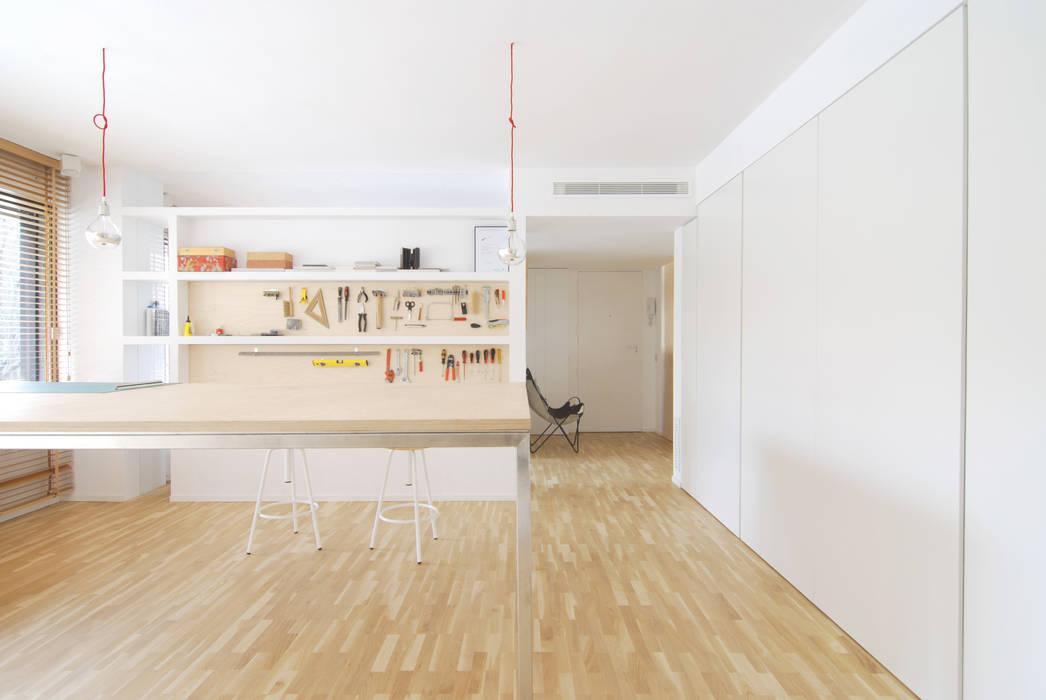 ARCHITECTURE STUDIO ENLARGMENT AN RENOVATION Jofre Roca arquitectes Rooms