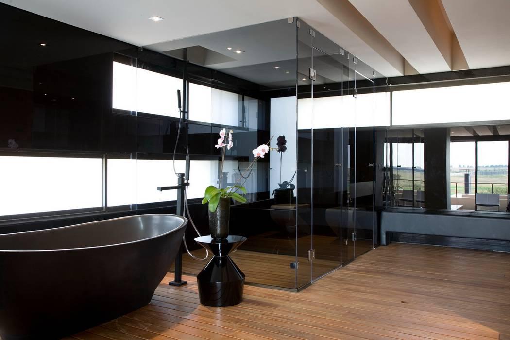 Badezimmer von Nico Van Der Meulen Architects , Modern