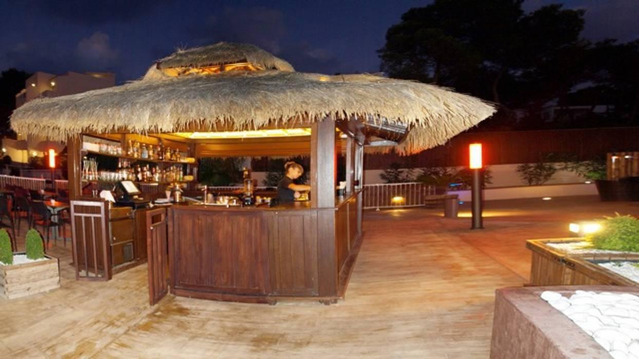 proyecto chill out: Hoteles de estilo  de comprar en bali, Tropical Madera maciza Multicolor