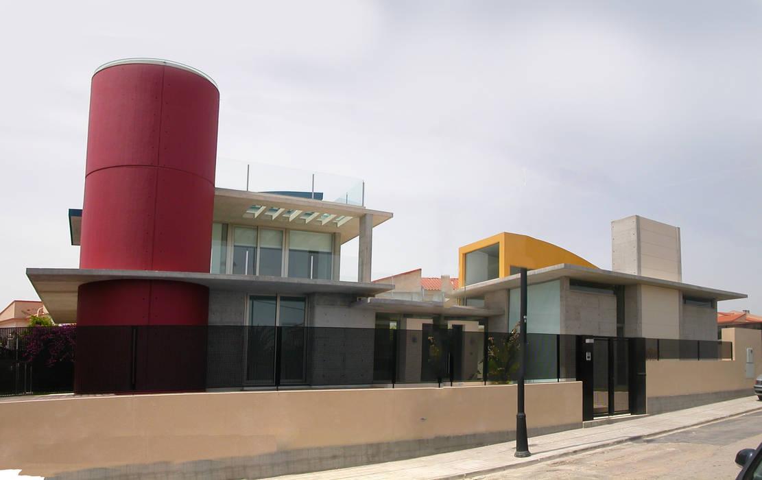 Fachada calle.: Casas de estilo  de garcia de leonardo arquitectos