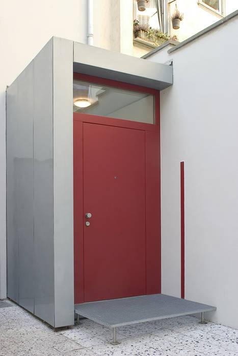 Rumah: Ide desain interior, inspirasi & gambar Oleh THOMAS GRÜNINGER ARCHITEKTEN BDA