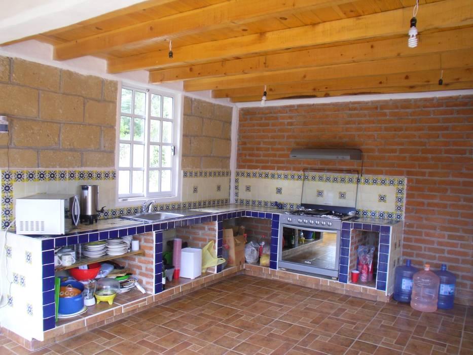 Dapur oleh JRK Diseño - Studio Arquitectura, Rustic