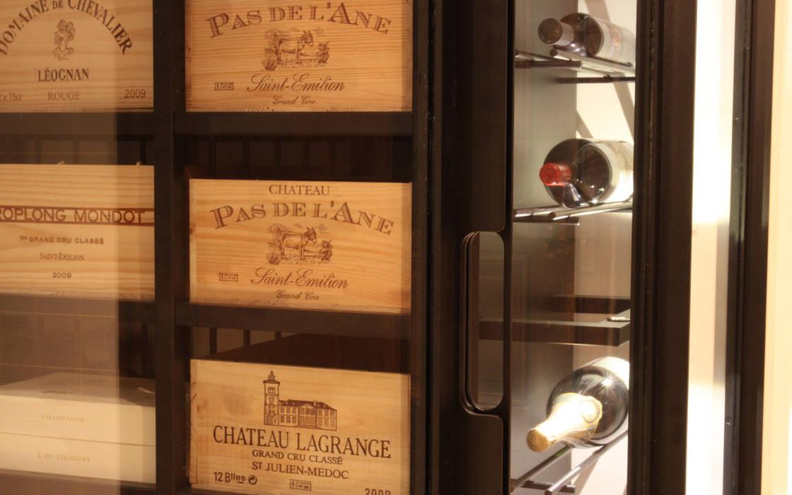 Cave à vin sur mesure métallique - Bastogne: Cave à vin de style  par Degré 12, Moderne Fer / Acier