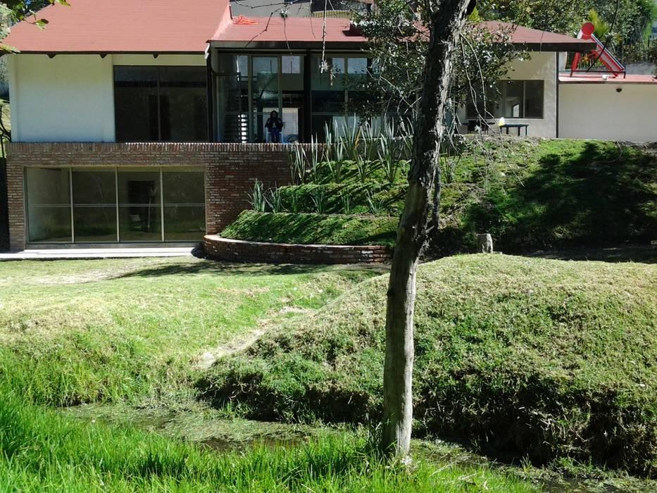 VISTA JARDIN Jardines rústicos de CESAR MONCADA SALAZAR (L2M ARQUITECTOS S DE RL DE CV) Rústico