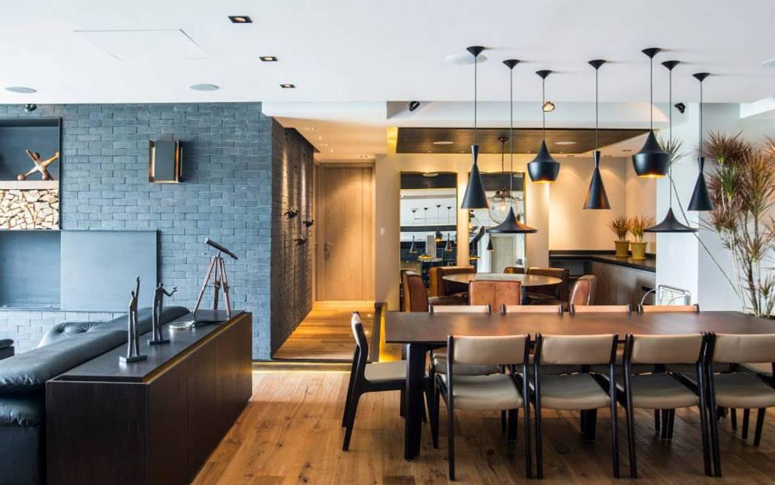 Veramonte I: Comedores de estilo  por Sobrado + Ugalde Arquitectos, Ecléctico