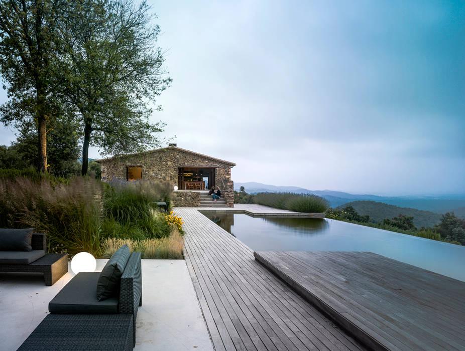 Bể bơi vô cực theo ZEST Architecture ,