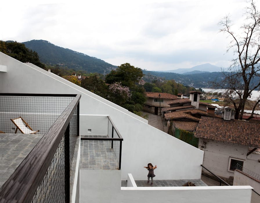 Minimalist Balkon, Veranda & Teras Dellekamp Arquitectos Minimalist