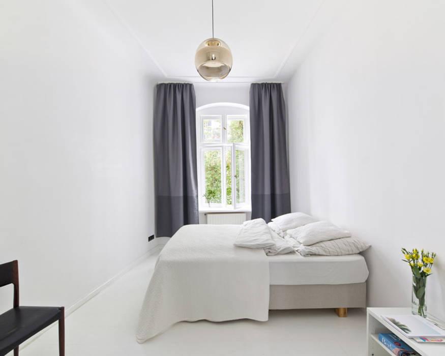 A Spacious Apartment in Prenzlauer Berg Skandinavische Wohnzimmer von lifelife GmbH Skandinavisch