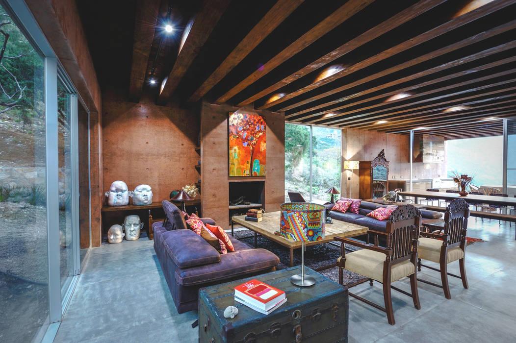 Narigua House Salas de estilo ecléctico de P+0 Arquitectura Ecléctico