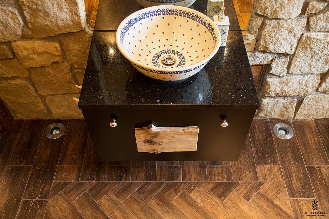 Country style bathroom by k.halemska Country