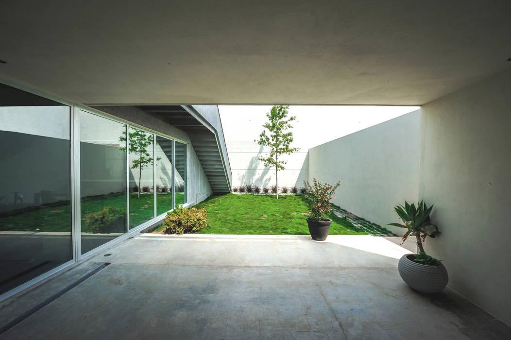 Jardin de style  par P+0 Arquitectura, Moderne