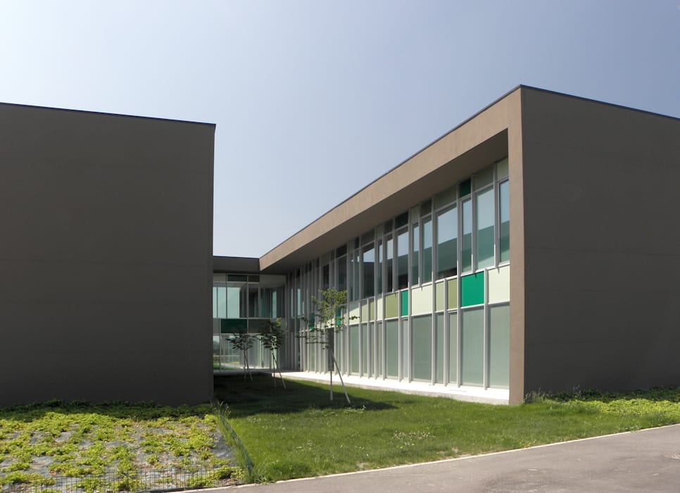 Consorzio Agrario Provinciale Bologna e Modena: Negozi & Locali commerciali in stile  di Wall | studio
