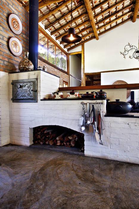 Rumah oleh Bianka Mugnatto Design de Interiores, Rustic