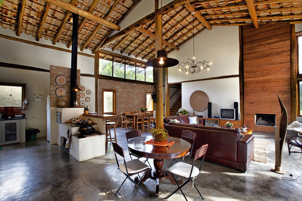 Casas rústicas por Bianka Mugnatto Design de Interiores Rústico