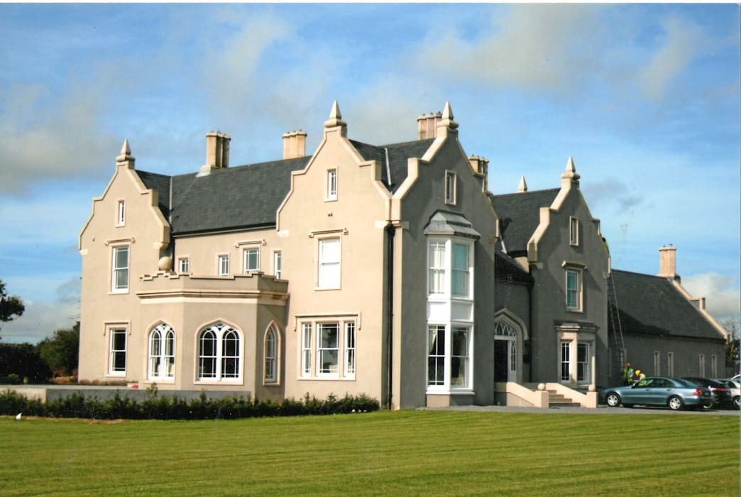 Casas clásicas de Heliolux Design Clásico