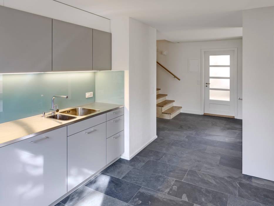 Küche dachgeschosswohnung: küche von cadosch & zimmermann ...
