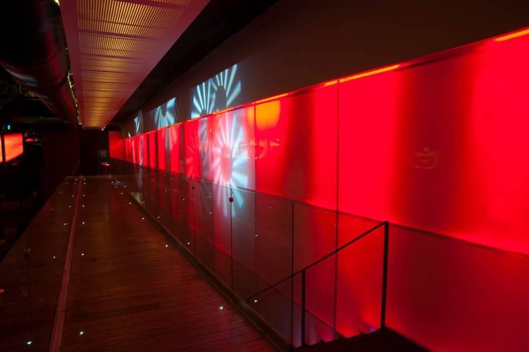 Discoteca,Bar: Oficinas y tiendas de estilo  por hidalgomashidalgo arquitectos,