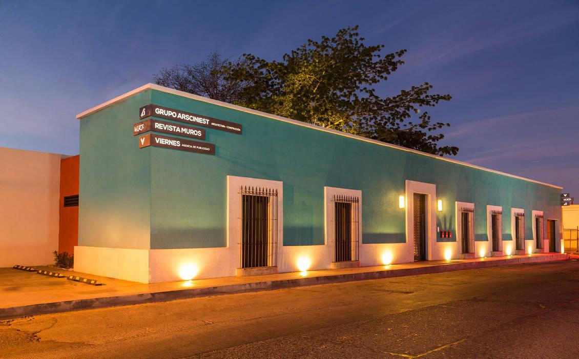 Edificio Niños  Heroes - Grupo Arsciniest: Edificios de Oficinas de estilo  por Grupo Arsciniest, Colonial