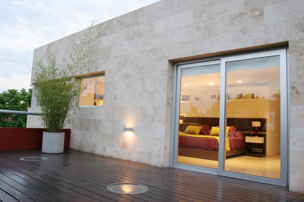 Modern Terrace by ESTUDIO GEYA Modern