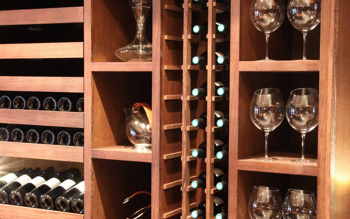 Cave à vin sur mesure en wengé - Courchevel Cave à vin moderne par Degré 12 Moderne Bois Effet bois