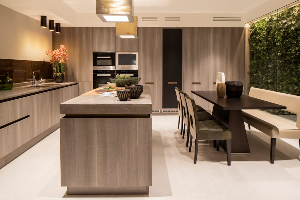 Eaton Mews North - Kitchen: modern Kitchen by Roselind Wilson Design