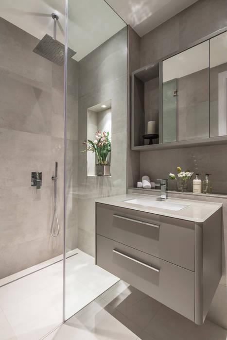 Eaton Mews North - Guest Bathroom:  Bathroom by Roselind Wilson Design, Modern