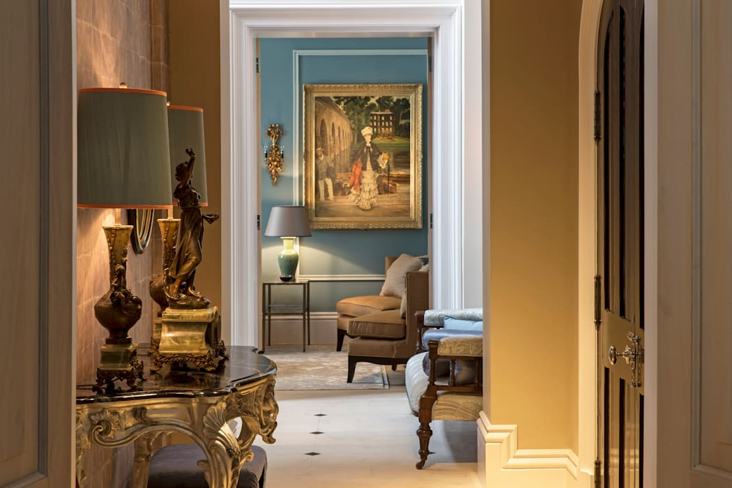 Hallway Classic style corridor, hallway and stairs by Roselind Wilson Design Classic