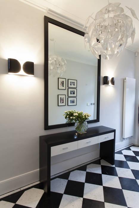 Hallway Roselind Wilson Design Modern Corridor, Hallway and Staircase