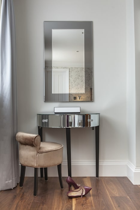 Master Bedroom:  Study/office by Roselind Wilson Design