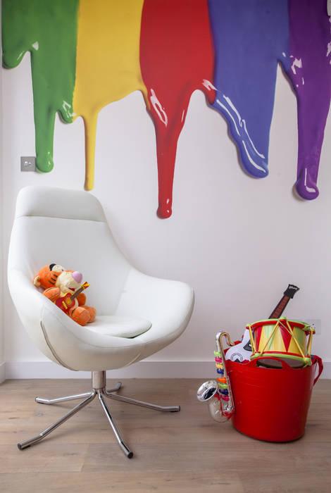 Play Room: modern Nursery/kid's room by Roselind Wilson Design