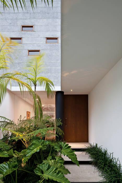 Ventanas de estilo  de Pascali Semerdjian Arquitetos