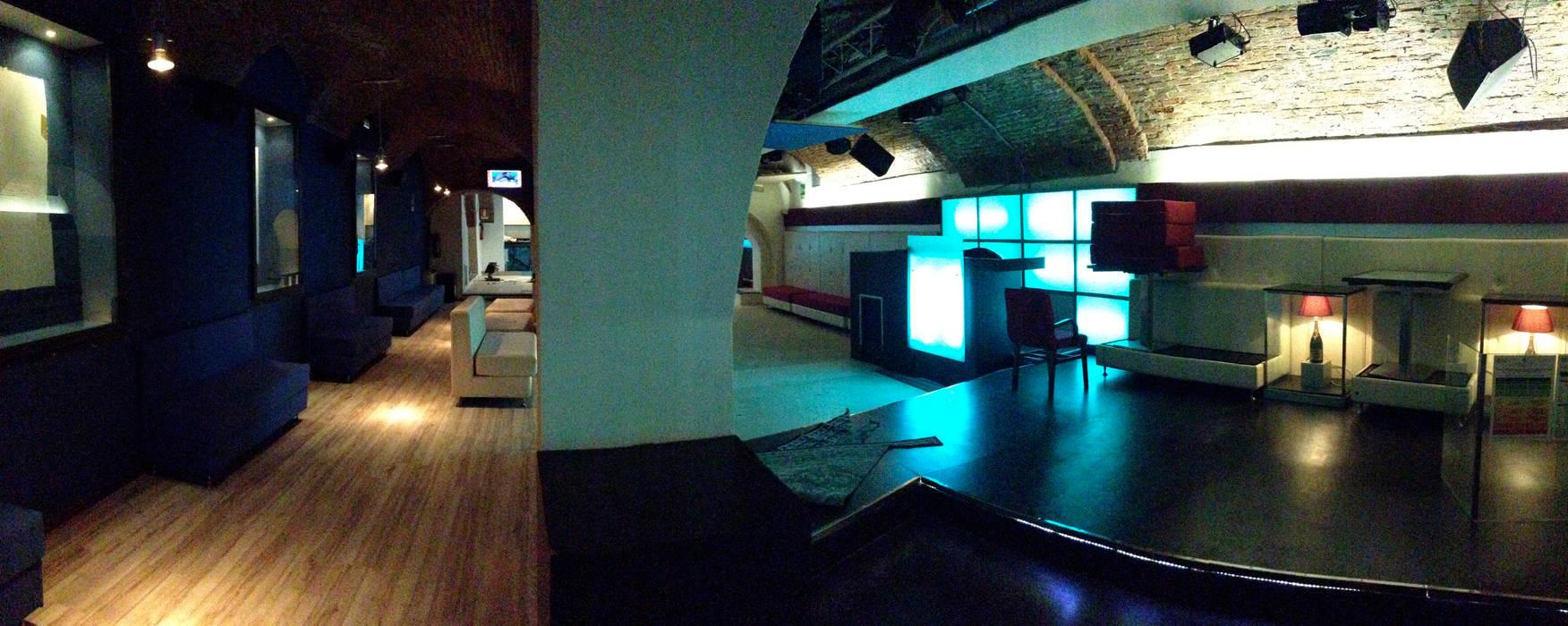 Sala principale & Privè di stefano gazzola Moderno