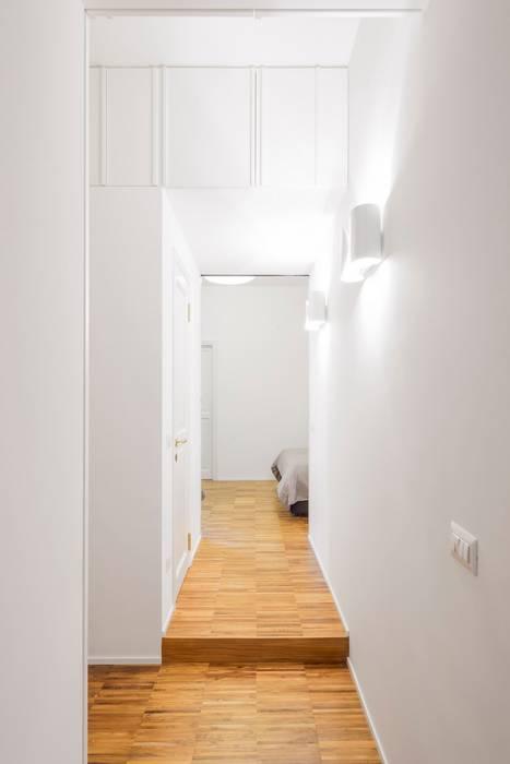 cristianavannini | arc Moderner Flur, Diele & Treppenhaus