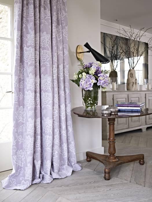 Dorchester 根據 Prestigious Textiles 古典風