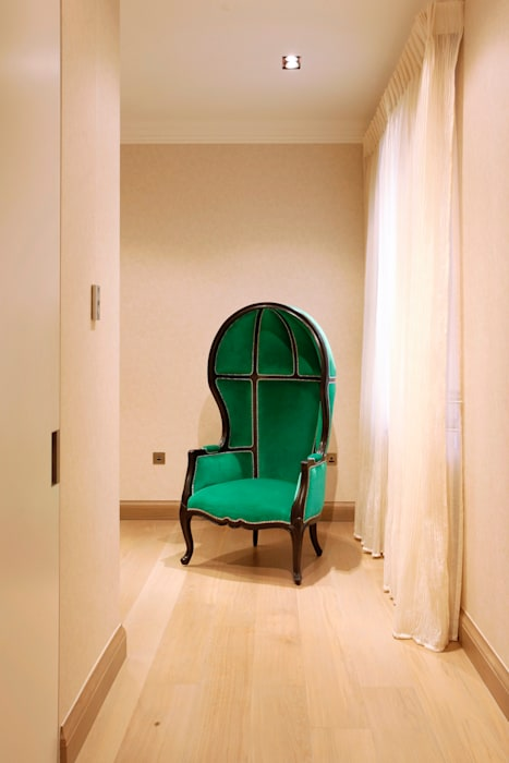 Furniture: modern Houses by Roselind Wilson Design