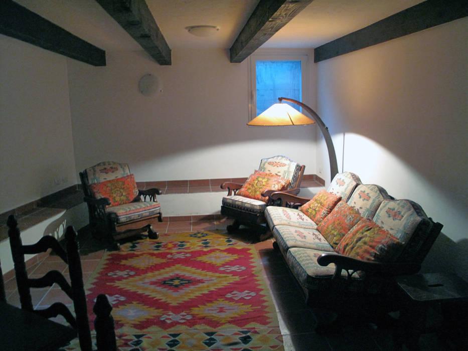 Villa Meina: Cantina in stile  di Matteo Verdoia Architetto