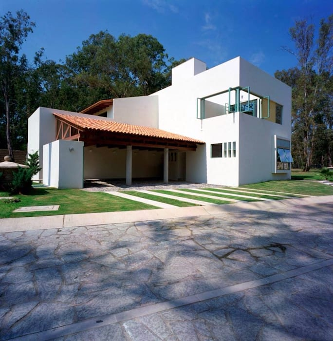 Fachada principal: Casas de estilo  por Taller Luis Esquinca, Moderno